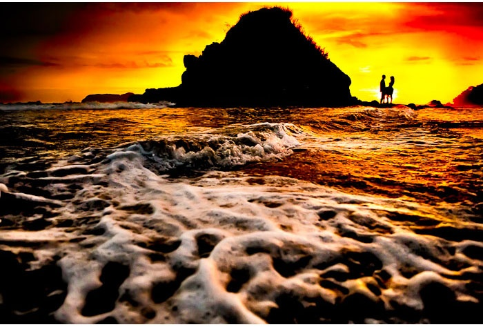 This Costa Rican sunset is hard to beat! Photo courtesy of Two Mann Photography.