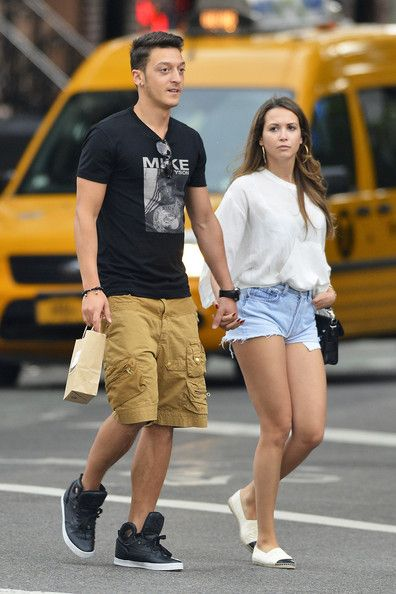 Mesut Ozil  Mandy Capristo. Now just take her out and put me in and it will be a perfect picture