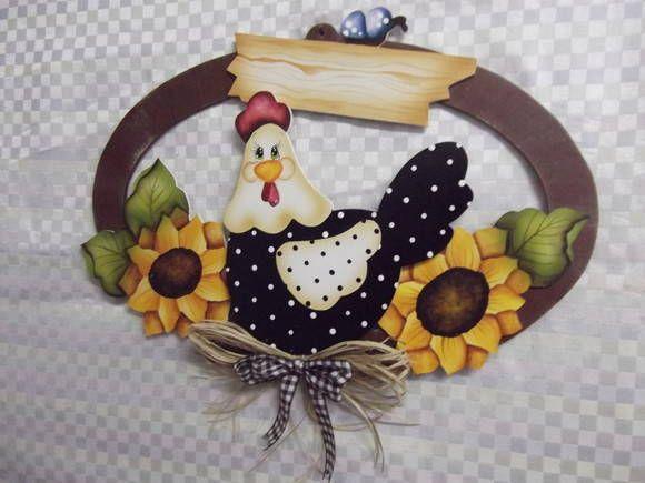 Guirlanda oval gd galinha girassol | Artesanatos Ingrid Carvalho | 16E213 - Elo7
