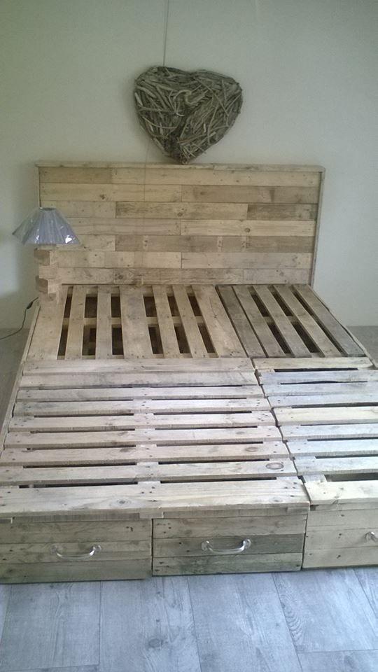 Best 25 pallet bed frames ideas on pinterest pallet for Queen size pallet headboard plans