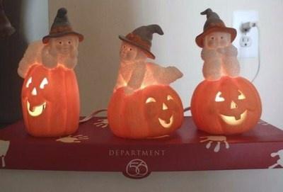 Snowbabies Three Happy Witches & Pumpkins Halloween Figurines