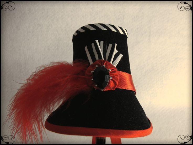 Regency stovepipe bonnet