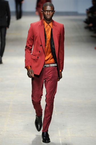 The sleek silhouettes created by Ennio Capasa for Costume National Homme were inspired by David Bowie's look and attitude. Notice how music and fashion mix once again.  More on Milan Fashion Week FW 2014 Menswear collections: http://attireclub.org/2014/01/29/milan-fashion-week/