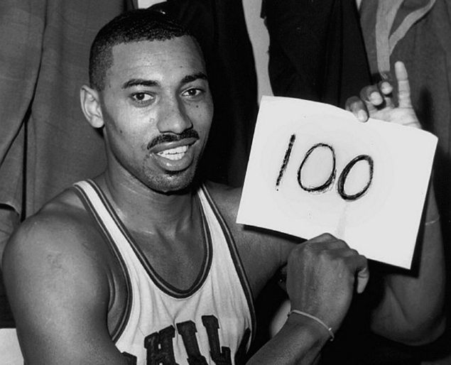 Wilt chamberlain scored 100 points during a basketball game on March 2, 1962. #TodayInBlackHistory