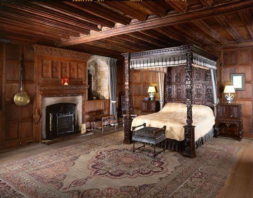 Hever Castle, home of Anne Boleyn  Henry VIII.'s Bedroom when he visited the…