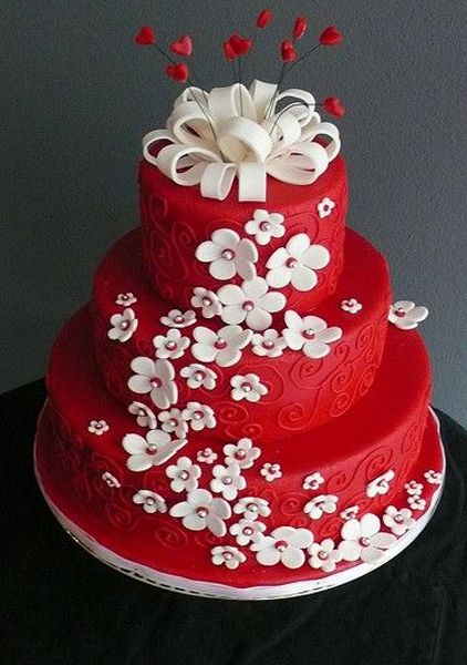 exqusite red wedding cake   Beautiful White and Red Wedding Cake   Styles Time