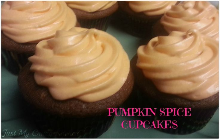 Pumpkin Spice Cupcakes with Maple Cream Cheese Frosting - Cupcake and ...