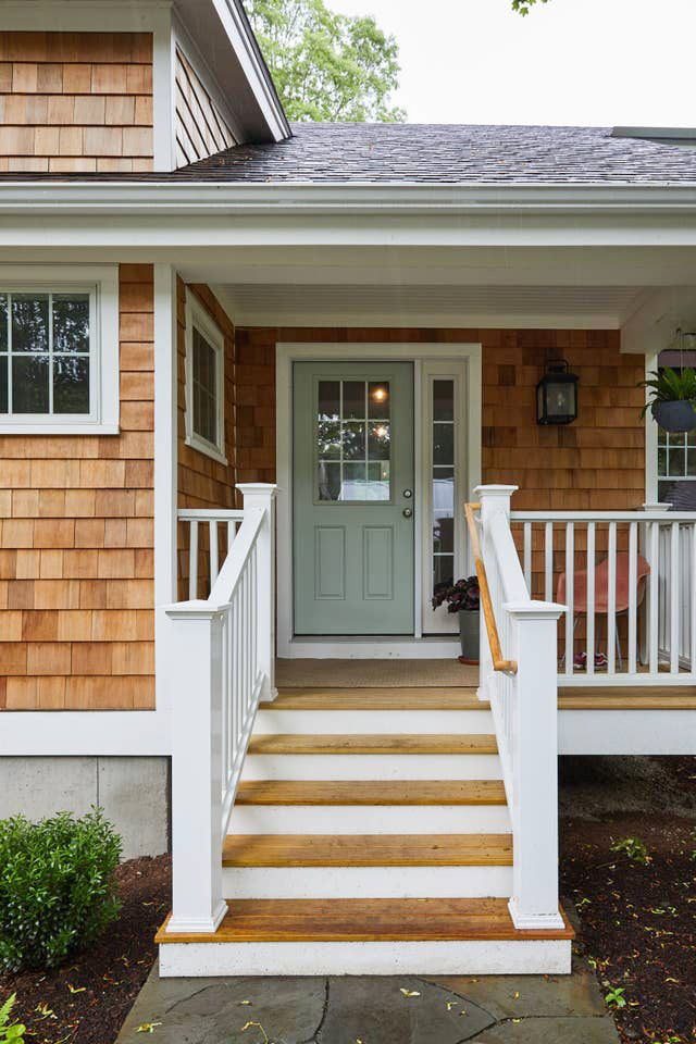Coastal Exterior Front Porch Ideas Front Door With Sidelight Red Cedar Shingles House With Porch Cedar Homes House Exterior