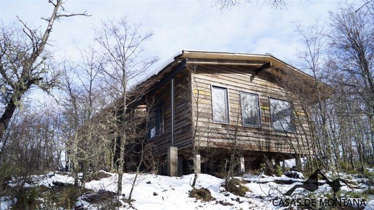 Casa Hermosilla, construida en el  valle Caracoles sobre la ruta 181 entre Malalcahuello y Lonquimay.