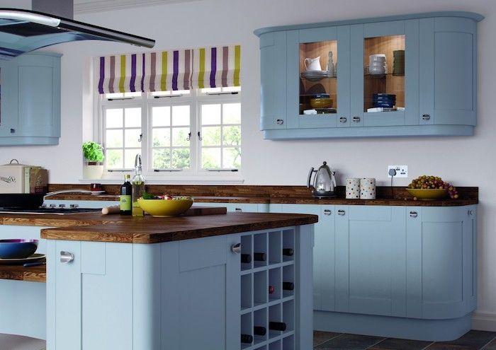 schöne küchen einrichtung blaues design gelbe schüssel bunte ...