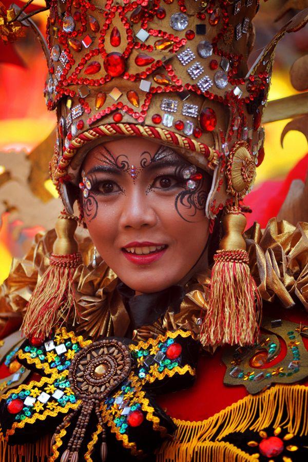 [ - The Gandrung Dancer - ] Banyuwangi Ethno Carnival   By Tateng Yuswo Hartanto