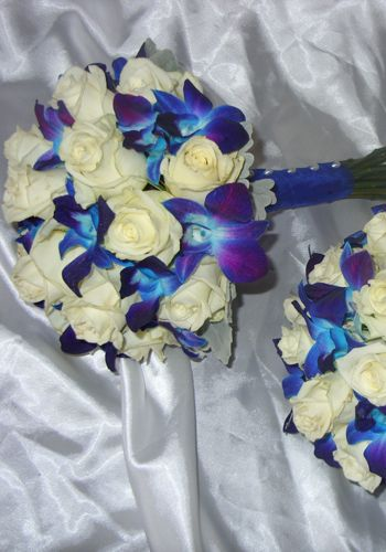 Blue and White WEdding Bouquet created by The Wild Orchid Florist, Echuca Victoria 0354806777.  #blueflowers #bluebouquet #blueorchids #thewildorchid #weddingbouquet