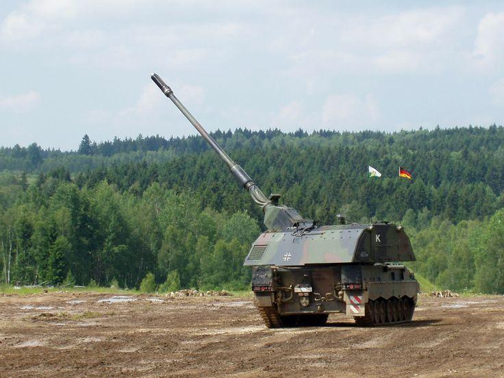German Panzerhaubitze 2000 (PzH 2000) [1600 1200]