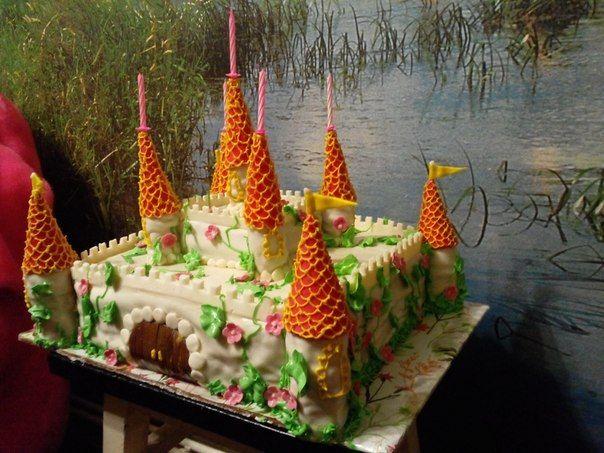 замок #торт_на_заказ_никополь #день_рождения #белково-сбивной_торт
