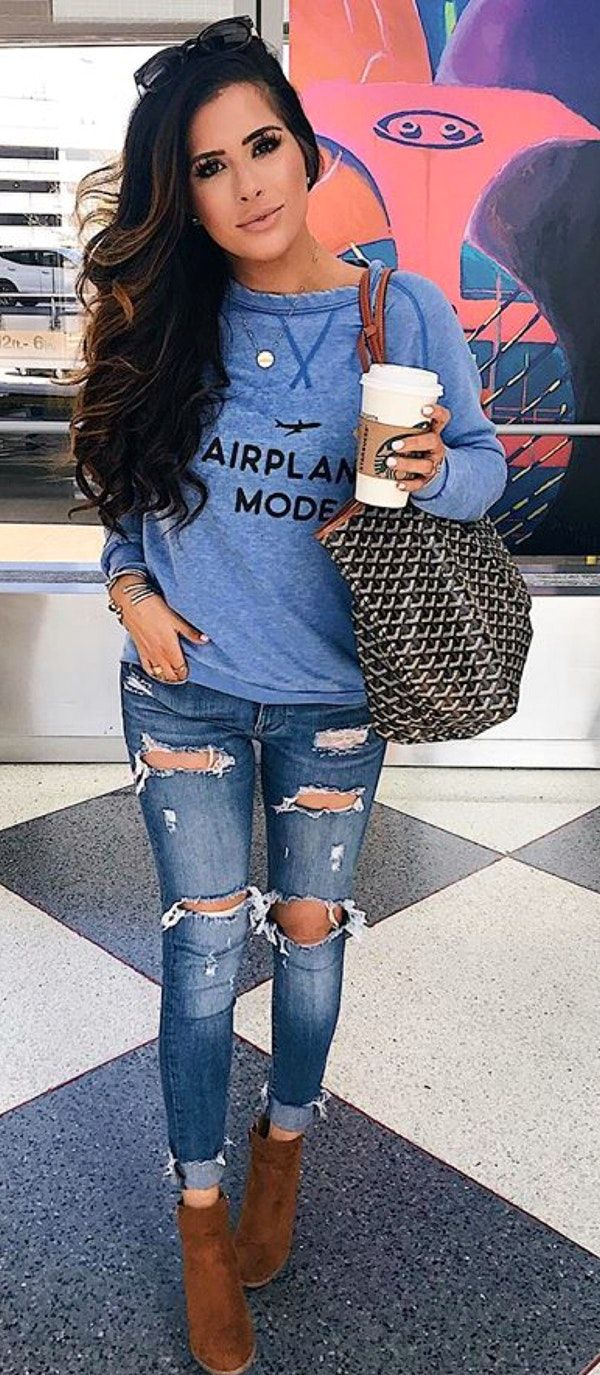 cf380b2191a010  fall  outfits blue long-sleeved shirt and distressed faded blue jeans