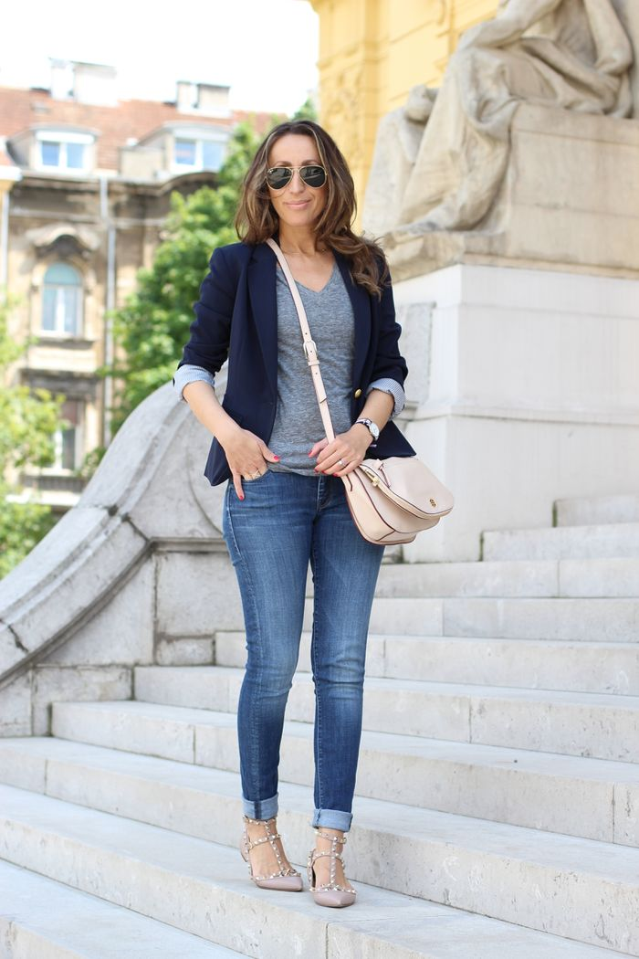 blazer + jeans casual work outfit