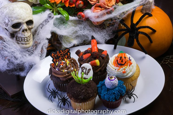 Time to start thinking about making some Yummy Halloween cupcakes!