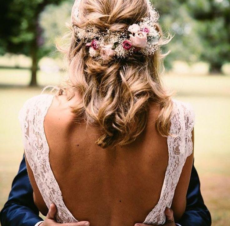 Open back  p e r f e c t i o n #weddingdress #weddinginspiration // pinterest: @amandabuth