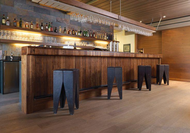 Barra de Bar de madera Nogal Americano by PAUMATS.  #paumats #flooring #decking #wood #architecture #interior #organic #sustainable #bar