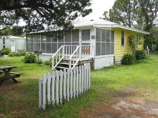 Rellas a 2 bedroom rental house in ocracoke part of the for Ocracoke cabin rentals