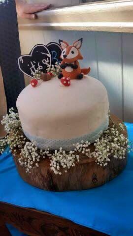 Fox woodlands theme cake customer photo - annabethbakes