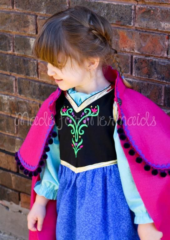 Sewing: Tutorial- Hooded Caplet to Anna's Cape