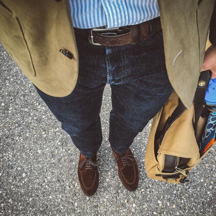 #fadefriday means I better show off more of the denim. @japanbluejeans 601 paired with @spiermackay oxford shirt and moleskin sport coat @allenedmonds belt @berwick1707_official via @leatherhealer oil snuff split toe shoes and my trusty @filson1897 bag. . . . #spierandmackay #japanblue #berwick1707 #dailylast #goodyearwelt #rakish #rakishgent #classicmenswear #stylishmen #menstailoring #stylishgent #madetobeworn #styleforum #mensshoes #mnswr #shoeshine #shineyourshoes #shoegazing #ptoman…