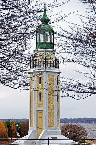 Oshkosh's Brays Point Lighthouse