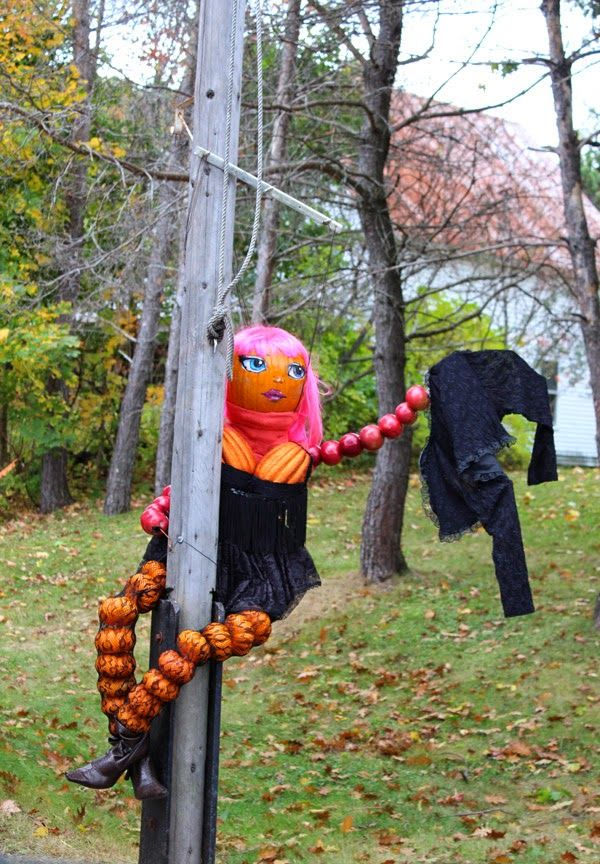 jackson new hampshire pumpkin people pole dancer by local gas station - Halloween New Hampshire