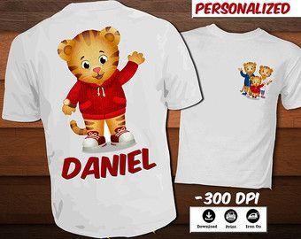 Personalizada Daniel Tiger para imprimir T Shirt Daniel tigre hierro en la decoración del partido transferencia camiseta-T-shirt con nombre instantánea DIGITAL descargar