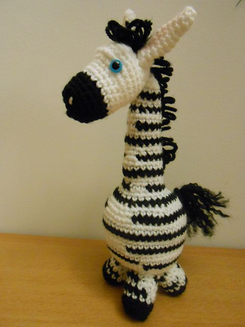 Zebra free amugurumi crochet pattern by Tracy Reynolds