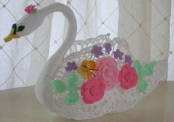 PDF Crochet Pattern Swan Queen Centerpiece by BellaCrochet