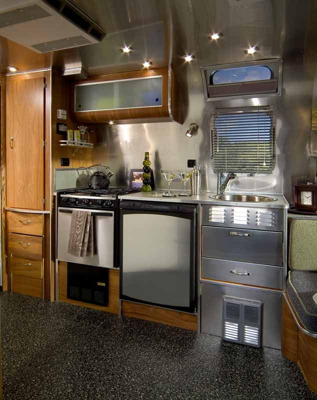 78 best images about airstream on pinterest vintage for Arredamento camper