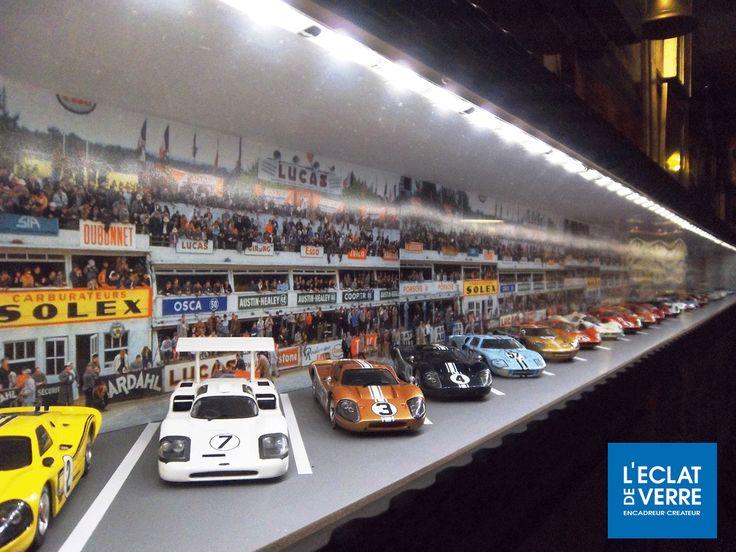 Les 24h du Mans mis en boîte ! Superbe réalisation de notre atelier de Grenoble qui, a la demande d'un passionné de la mythique course d'endurance a mis en boîte sa collection de voiture. #Encadrement #Frames
