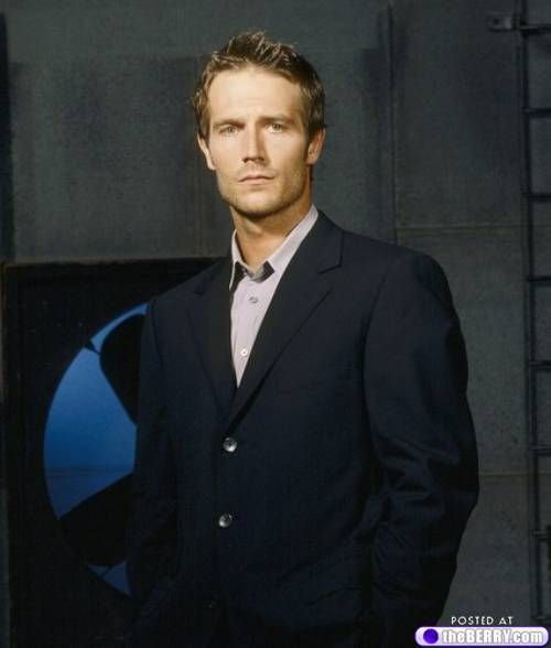 (1) Michael Vartan Photo Gallery : theBERRY