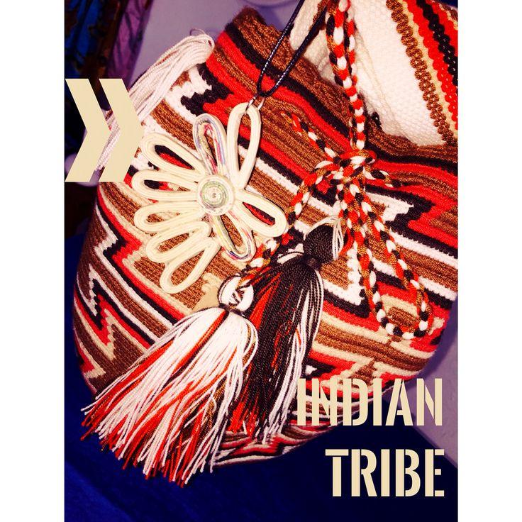 JAU!! Rostros pálidos!! Bolso Indio TribuIndigena Ware Ware. Collar Diadema India papel periódico reciclado.