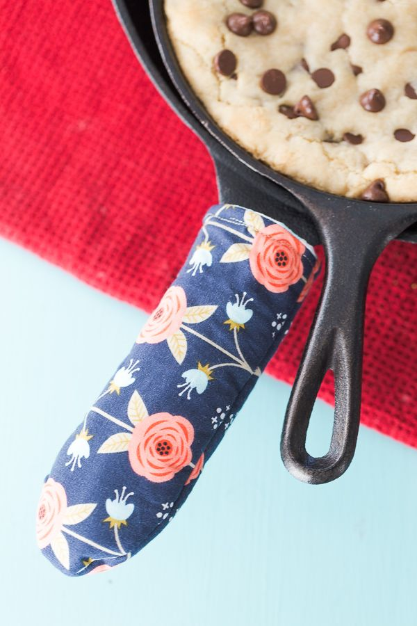 Hey everyone! Today we've got Katie from Made to be a Momma here and she's got a tutorial for a cast iron skillet handle cover. Which is SUCH a fun idea! And even better, have you ever …