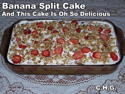 Truly one of the best recipes for banana split cake that you will ever eat. It is oh so delicious and really surprises people when they taste it.: Yummy Desserts, Best Recipe, Art Bananas, Sweet Treats, Bananas Split Cakes, Cupcake For One, Banana Split, Bananas Split Desserts