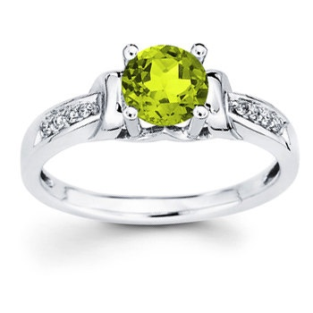 14kt White Gold Diamond and Peridot Ring Round by createyourring, $385.00  Gorgeous! Love the stone!