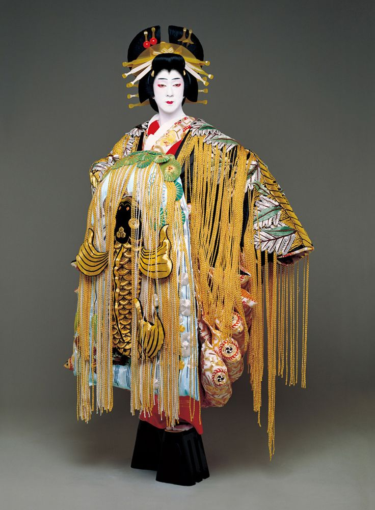 Costumes of high-ranking courtesans, oiran, are among the most spectacular in kabuki. They are characterised by extravagance and effusion of colours and patterns.
