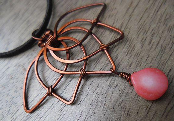 Cobre - cobre alambre collar con joyería de concha Rosa - joyería de cobre - de alambre