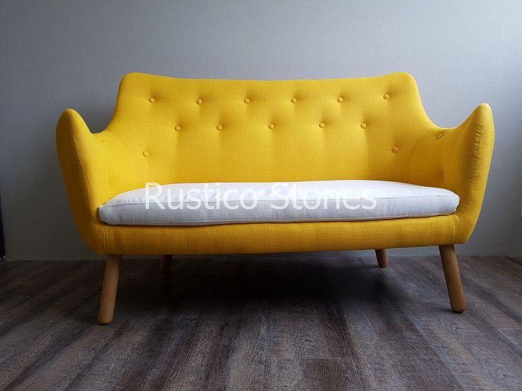 De prachtige tijdloze Karlsfors sofa met bijzondere bekleding maakt het retro- vintage plaatje helemaal compleet. De stijl die je mooi kunt combineren met klassieke of moderne stijl, past heel goed tegen de rustieke stenen voor een living room/hotel/restaurant etc.