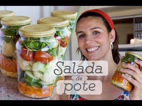 Nesse episódio, a nutricionista Simone Bach ensina como limpar e armazenar os vegetais para toda semana, com ótimas dicas para quem tem pouco tempo no dia a ...