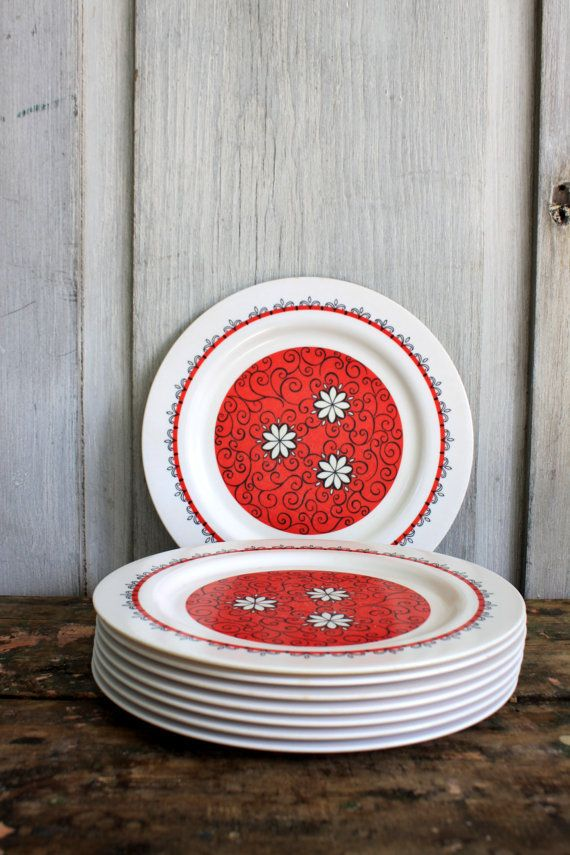 8 mid century ONEIDA DELUXE melamine dinner plates // melmac // red and white & 303 best Melmac Dishes images on Pinterest | Vintage dishes ...