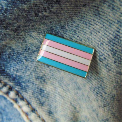 Trans-Pride-Flag-Enamel-Collar-Pin-Gold-Metal-Badge-LGBT-Pink-Blue-White-UK-NEW