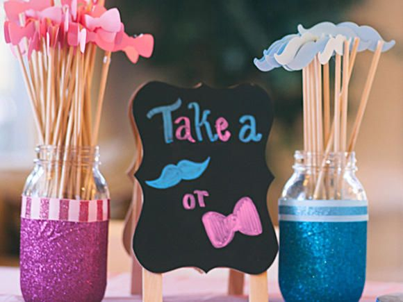 Get creative ideas for revealing your baby's gender, from t-shirts to desserts to elaborate party ideas.