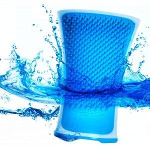 qua Splash è l'ultima innovazione di Tangle Teezer. Una spazzola per capelli districante, antiscivolo e amante dell'acqua.  http://www.nuotomaniashop.it/nuotostore/it/shampoo-bagnoschiuma-creme-cloro-nuoto/385-aqua-splash-tangle-teezer-spazzola.html