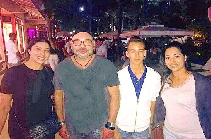 Des photos du roi en Floride avec des Marocains font le buzz - Maroc Hebdo International