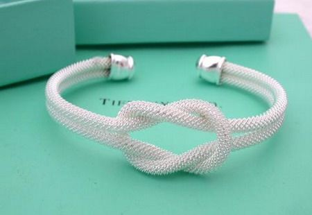 "Bridesmaids gift: ""Thanks for helping me tie the knot!"" Great idea for someday."