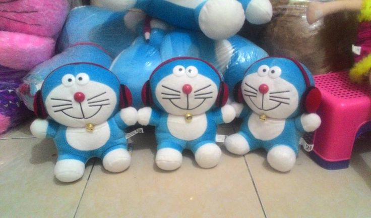 Doraemon Lucu cocok neh buat kafo anak  Ukuran 25cm. Bahan lembut  Harga 35rb /pcs  Wa/call ke 081387149713  #bonekalucuna #bonekadoraemon #doraemon #doraemonwalkman #bonekamurah #bonekalucu